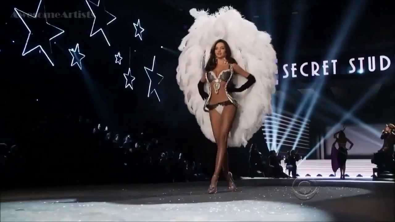 Bruno Mars  ,HD, Young Girls , Live  At Victoria's Secret Fashion Show  ,HD 720p - YouTube