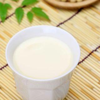 豆乳を飲んでも女性ホルモンはほぼ増えないことが判明!   マイナビニュース