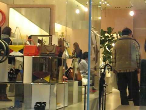 ローラ (Rola) Japanese Model Shopping At Celine Omotesando 2 - YouTube