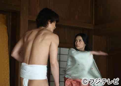 小栗旬に噂される数々の女性遊び…広島には独身時代から続いている愛人も?