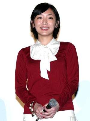 加護亜依、愛娘が激似!顔写真をブログで公開 - シネマトゥデイ