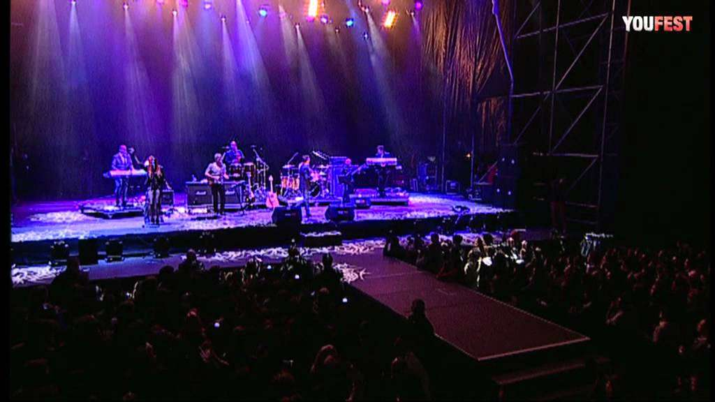 Rick Astley - Together Forever LIVE - YOUFEST 2012 - YouTube