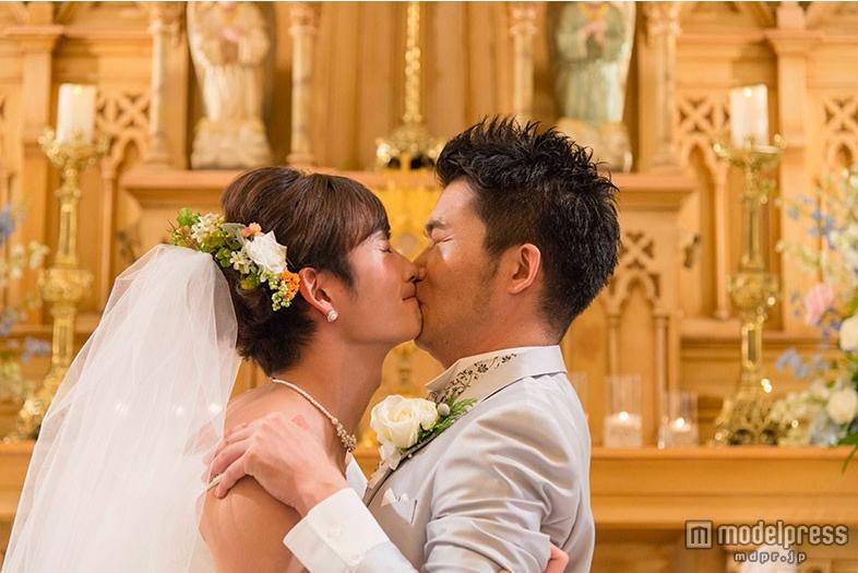岡田将生(25歳)ウエディングドレス姿で男性と熱いキスを10回以上交わすww