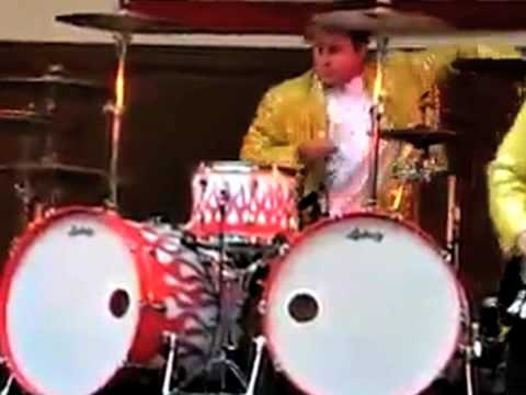 DRUMMER AT WRONG GIG- better view - YouTube