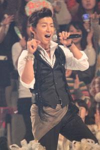 """SMAP・木村拓哉、Kis-My-Ft2の""""DVDバーター出演""""にチクリ!?「さすがですね~キスマイ」    サイゾーウーマン"""