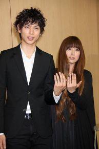絢香、2月1日でデビュー9周年。夫・水嶋ヒロが感謝の気持ちを投稿。