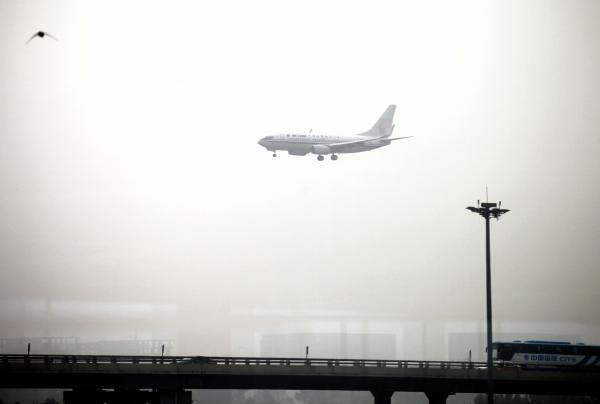 日本人男性が機内でポルノ雑誌を見ながら自慰行為 証言で判明 - ライブドアニュース
