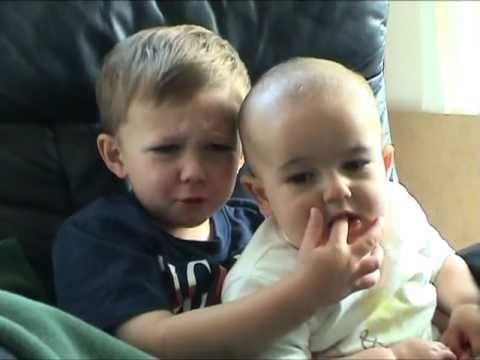 Charlie bit my finger - again ! - YouTube