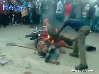 New Full Brutal Lynching And Necklacing Of Two Men   VK