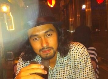 今井洋介、ハワイ留学時の写真公開で「オーランド・ブルームっぽい」「ラモス瑠偉」似の声