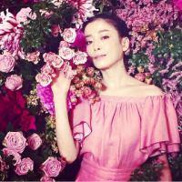 息を呑む大人の美しさ……花に囲まれた宮沢りえの写真にコメント殺到 - Scoopie News - GREE ニュース