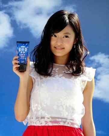 小島瑠璃子がイベントで「高速舌運動」を披露も…周囲がドン引き