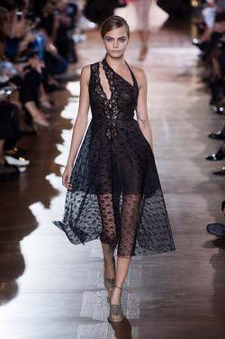 スケ感スカート、ZIPでスケ感ファッション女子が流行っているとの紹介に賛否
