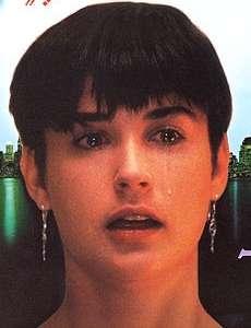 ケイティ・ペリー、人気ブランドの広告にほぼヌードで登場。