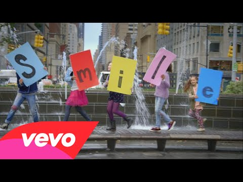 Sia - You're Never Fully Dressed Without a Smile (2014 Film Version) - YouTube