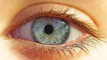 【閲覧注意】私、レーシック手術で失明しました…後遺症の現状が深刻すぎる