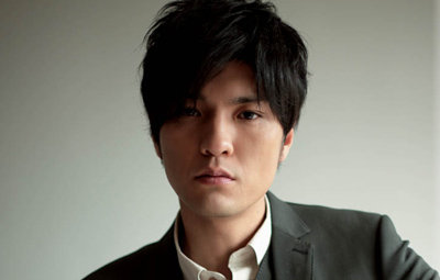 歌手の森山直太朗さん 追突事故、前方不注意か