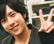 ぴーす♪ : 【嵐】二宮和也の癒しのスマイル♥笑顔にホッコリ(๑≧౪≦) - NAVER まとめ