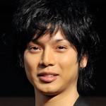 俺はイクメンだ!水嶋ヒロ、失笑アピールでバレた「単なるヒモ」生活 | アサジョ