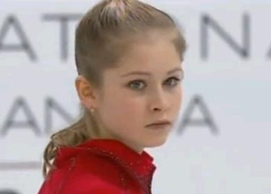 ユリア・リプニツカヤが新宿に降臨!ショッピングやファンにサインをする姿も男前ww