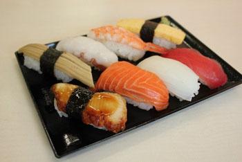 寿司を食べる順番で「育ちが分かる」?最初の「ネタ」めぐってネットで議論沸騰!