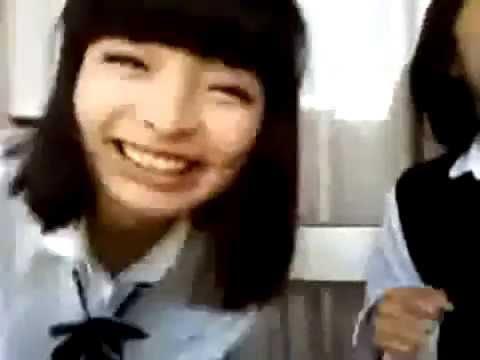 女子高生時代のきゃりーぱみゅぱみゅが熱唱 16歳 - YouTube