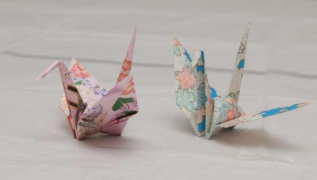 オバマ氏「実は折り鶴を持ってきました」 原爆資料館で:朝日新聞デジタル