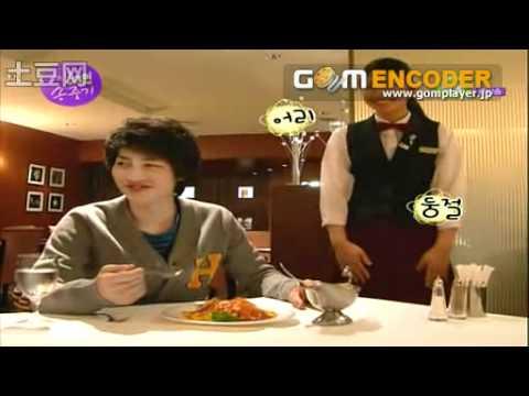 東京のレストランでウェイトレスに韓国語の発音を強要する韓流俳優 - YouTube