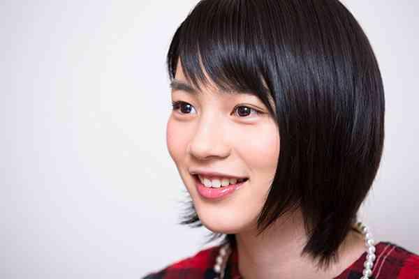 """能年玲奈""""ママ""""小泉今日子との2ショット公開 再共演望むファンも"""