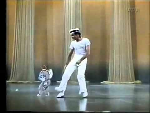 Gene Kelly and Jerry Mouse in Anchors Aweigh 1944 - YouTube