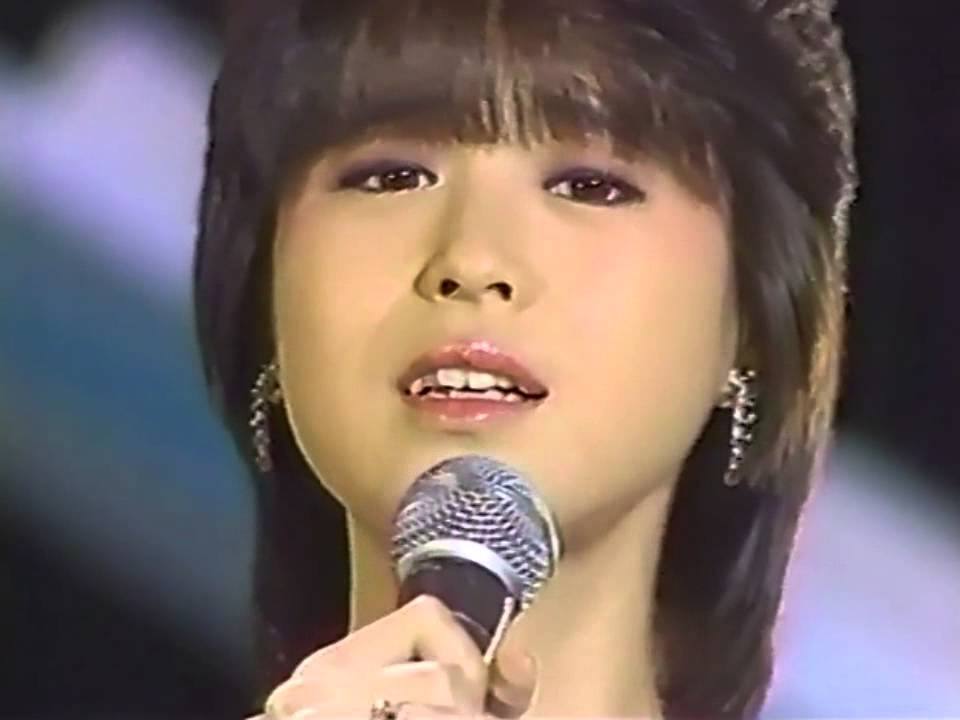 松田聖子 SWEET MEMORIES - YouTube