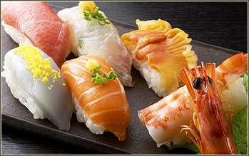 カラフルすぎる「レインボー寿司」がアメリカで流行の兆し!