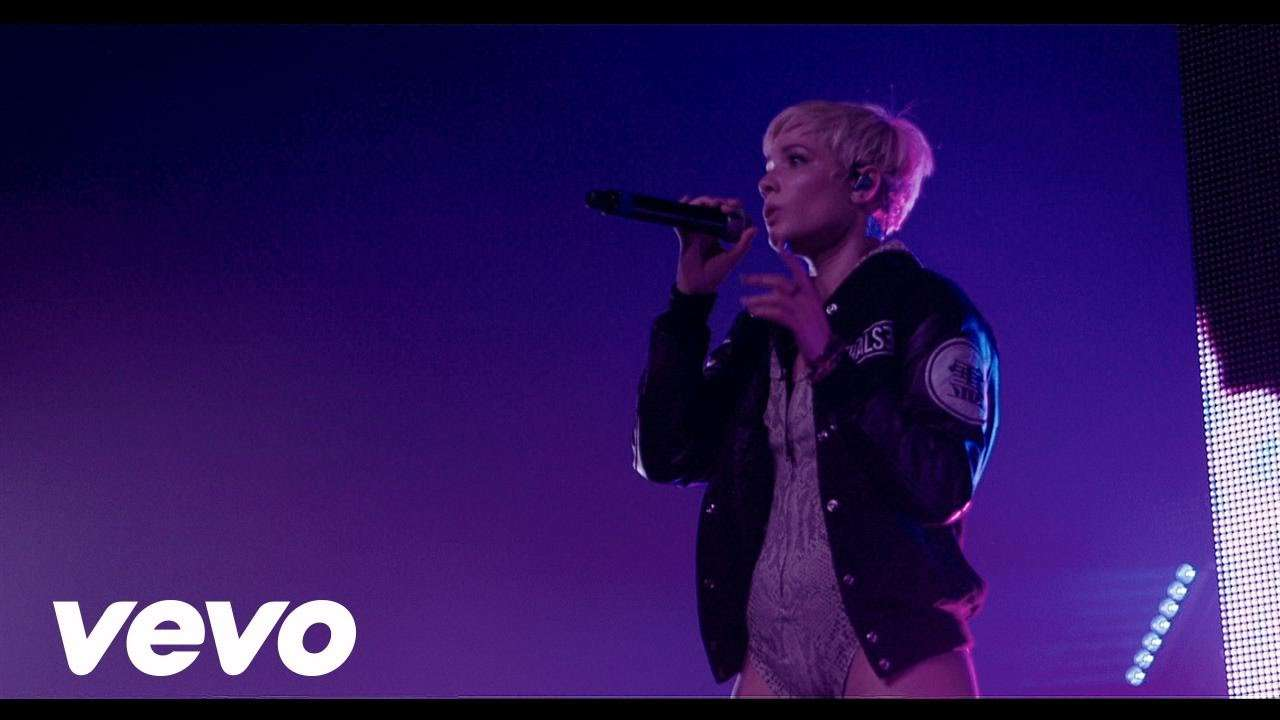 Halsey - Colors (Live At The Fonda) - YouTube