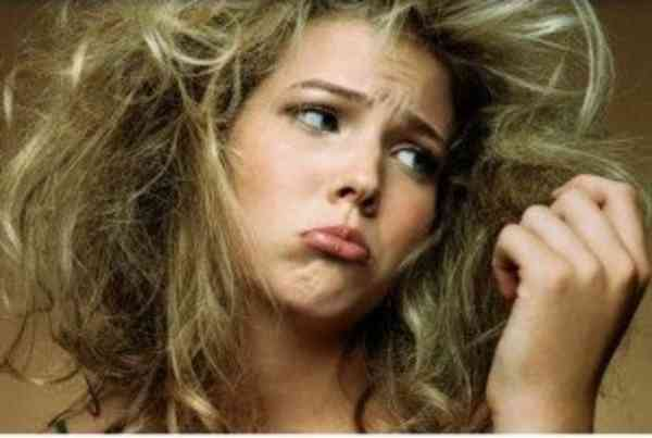 髪の毛パサパサ対策どうしてる?