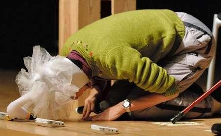 岡本夏生、携帯紛失は「嘘」と涙の謝罪