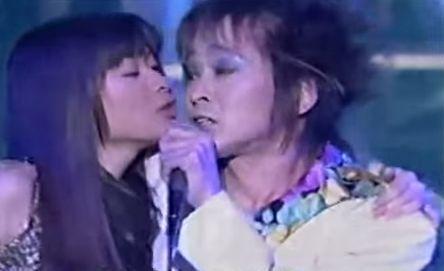 篠原涼子が「ママ友会」で不倫願望告白か 様子を実況中継