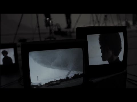 ONE OK ROCK - Be the light [Official Music Video / 日本語 字幕] - YouTube