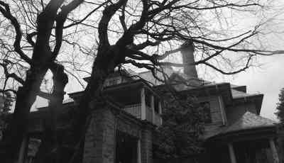 Gabriola House - Ghosts of Vancouver