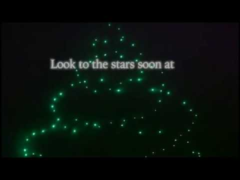 Disney World utilizes drones for its new holidays light show - YouTube