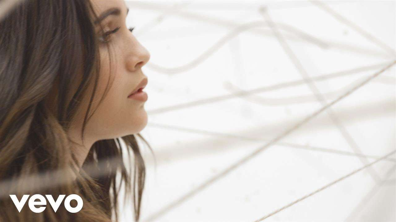 Bea Miller - yes girl (Official Video) - YouTube