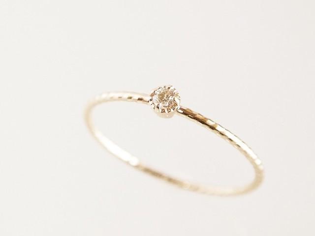 1万4千円の婚約指輪を店員に笑われ…花嫁の返答が話題に