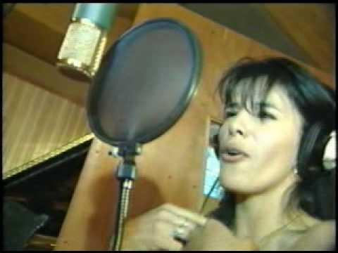 Anita Alvarado - La Gallina / El Lunarcito Japonés - YouTube