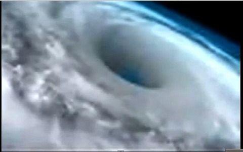 【都市伝説】北極と南極の巨大な穴は地底世界の入口 - NAVER まとめ