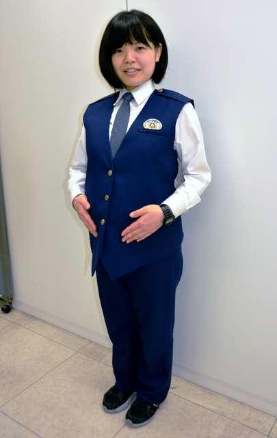 岡山県警、マタニティー制服を導入へ 女性警官が提案 (朝日新聞デジタル) - Yahoo!ニュース