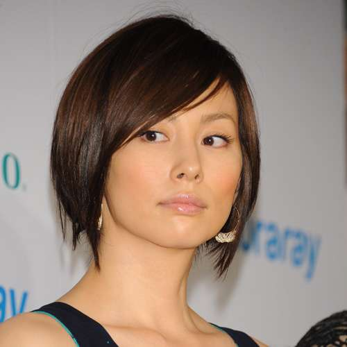 離婚成立の米倉涼子が新年早々「合コン攻勢」を開始 - まいじつ