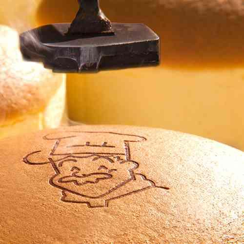 彩都の森店のご案内 - 大阪銘菓「焼きたてチーズケーキ」・りくろーおじさんの店