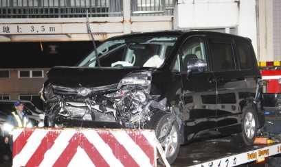 <単独事故>「成人式帰り」の車ガードレールに衝突 8人乗り1人死亡 岐阜