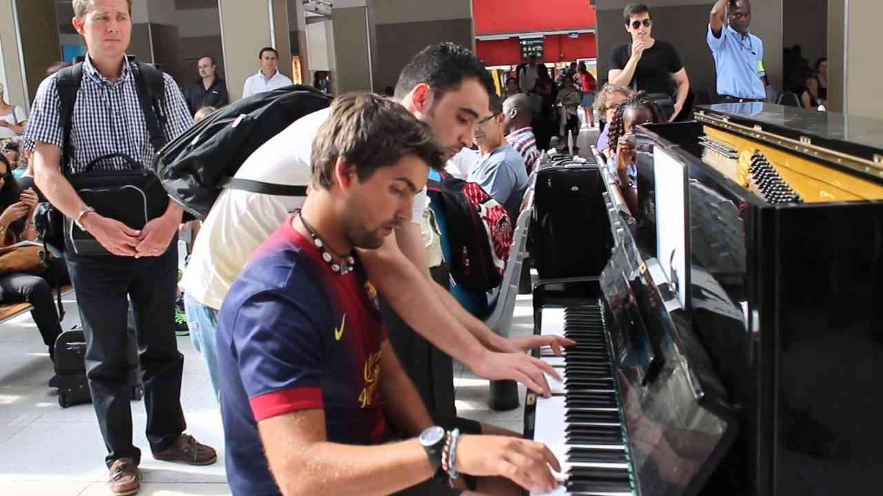 Improvisation at the train station in paris! - YouTube