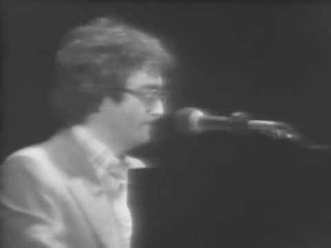 Randy Newman - Simon Smith And The Amazing Dancing Bear - 2/11/1978 - Capitol Theatre (Official) - YouTube