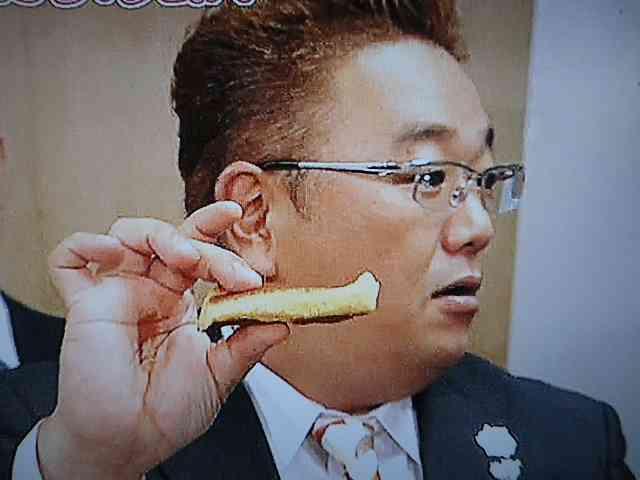 バターロールどうやって食べますか?